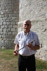 La clé de la ville de Yèvre le Chatel a été remise à Monsieur le Maire de Courcelles Chaussy