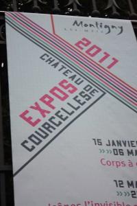 Panneau annonçant une exposition au chateau de Courcelles à Montigny les Metz