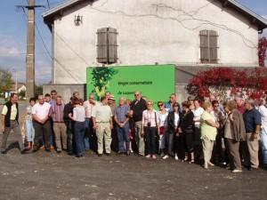 Le groupe à l'entrée des jardins de Laquenexy